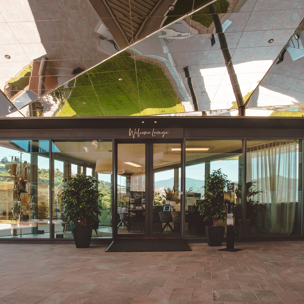 The-Mall-Sanremo-Welcome-Lounge