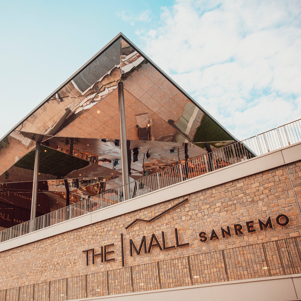 The-Mall-Sanremo-architecture-miroir