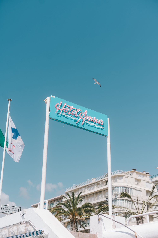 hotel-amour-nice-plage-jeu-mcmd
