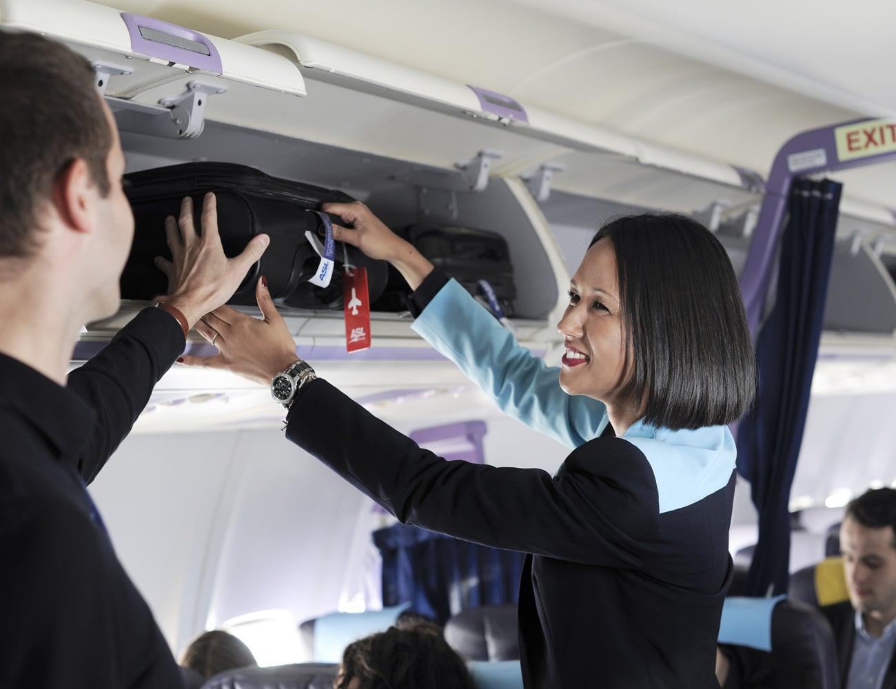 ASL-Airlines-France-hotesse-de-l'air