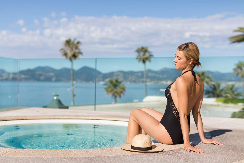 Radisson-Blu-1835-Cannes-piscine