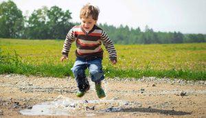 Les enfants s'amusent sans risque