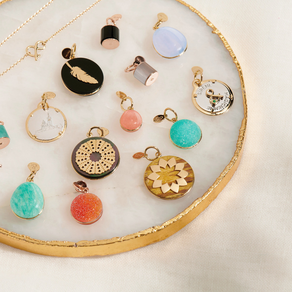 Vitrine-Shopping-Noel-mineral-joaillerie-médailles-precieuses