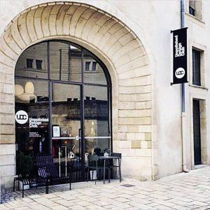 unpolished-design-club-facade-boutique-pierresunpolished-design-club-facade-boutique-pierres