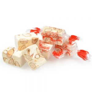 Vitrine-Gastronomie-Fetes-Maison-Andre-Boyer-nougat-papillotes-blanc_vrac