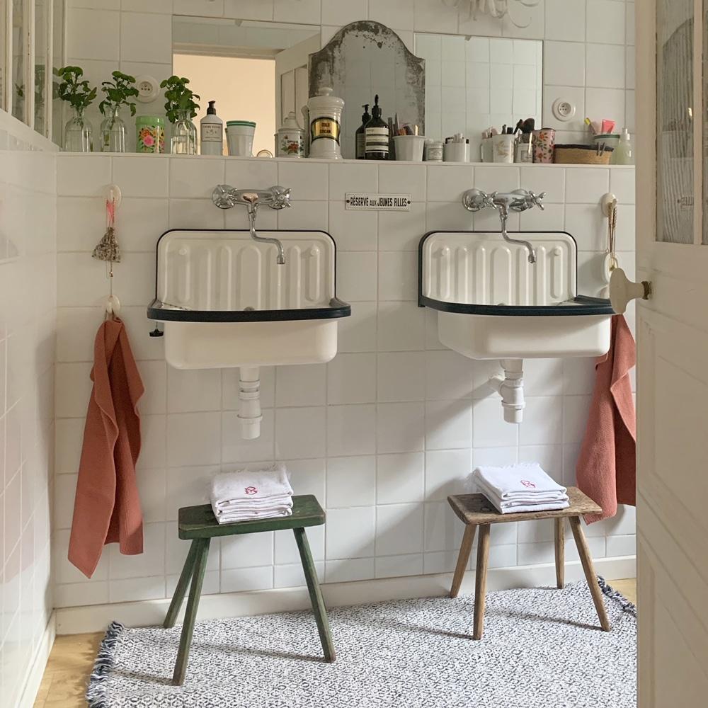 Nomibis-salle-de-bains-vintage-evier