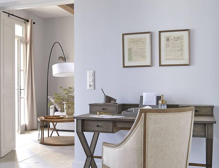 Domaine-&-Demeure-Chateau-Capitoul-bureau-salon