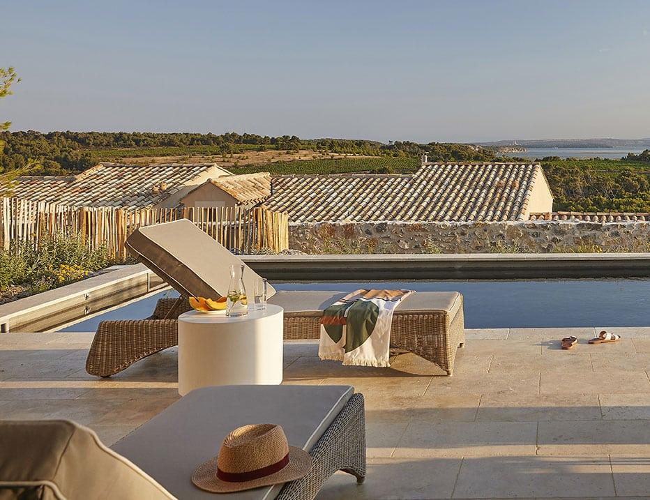 Domaine-&-Demeure-Chateau-Capitoul-piscine-terrasse-detente