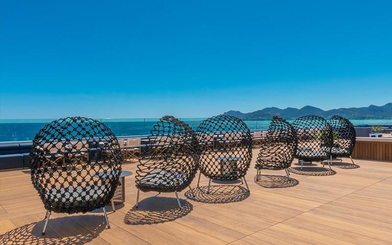 Sudnly-mag-Radisson Blu 1835 Cannes-Vertigo Rooftop (3)
