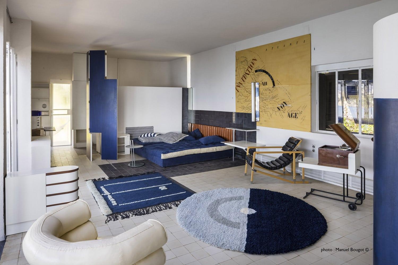 Sudnly-mag-Eté-culture-en-toute-modernité-Villa-Eileen-Gray-E1027-vue-interieur-©Manuel-Bougot