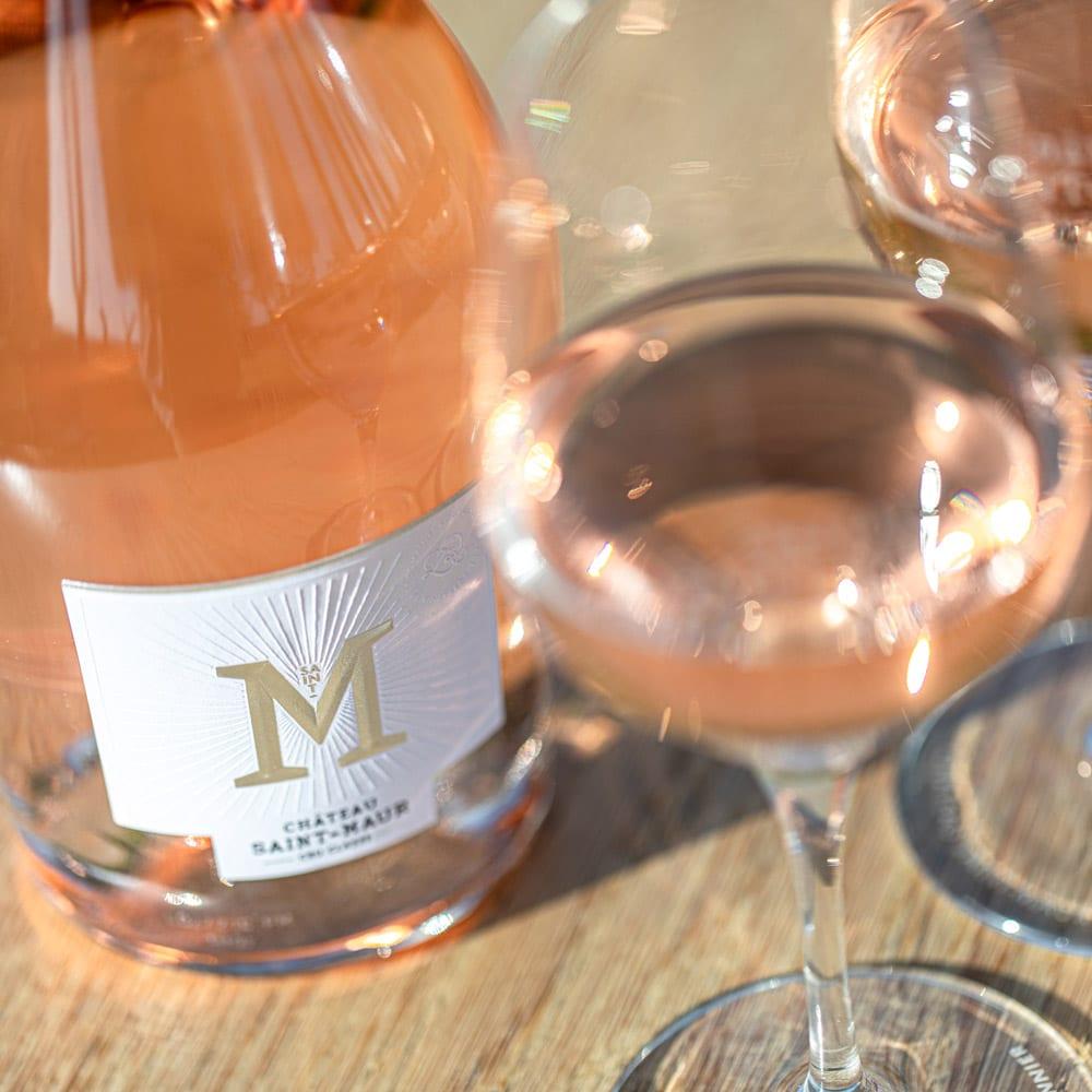 sudnly-Les-raisins-du-plaisir-Chateau-Saint-Maur-bouteille-verre-rosé