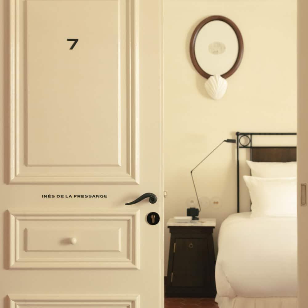 sudnly-nouveautés-saint-tropez-2021-hotel-la-poche-chambre-ines-de-la-fressange