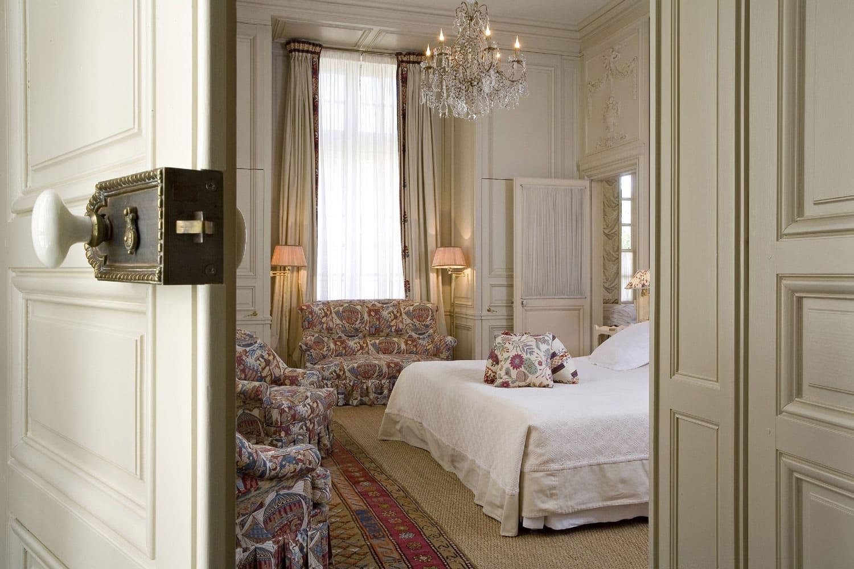 La-Mirande-Avignon-chambre