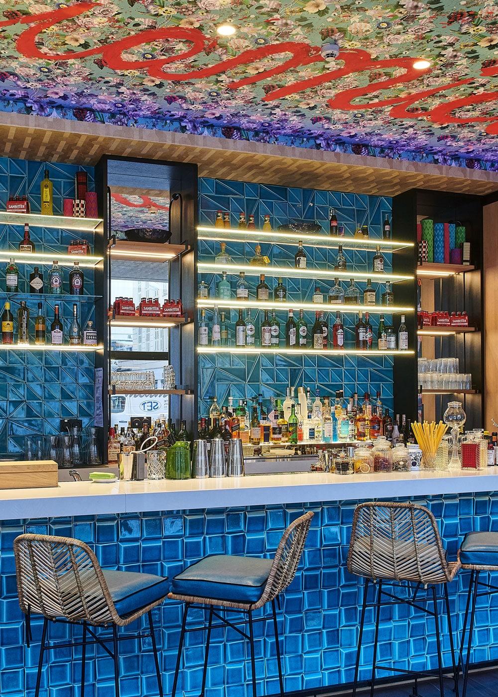 trattoria-miamici-Holiday-Inn-Nice-comptoir-bar
